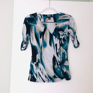Gently worn Abstract print, 3/4 sleeve, ruched top